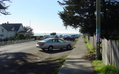Fort Bragg community street with view of ocean